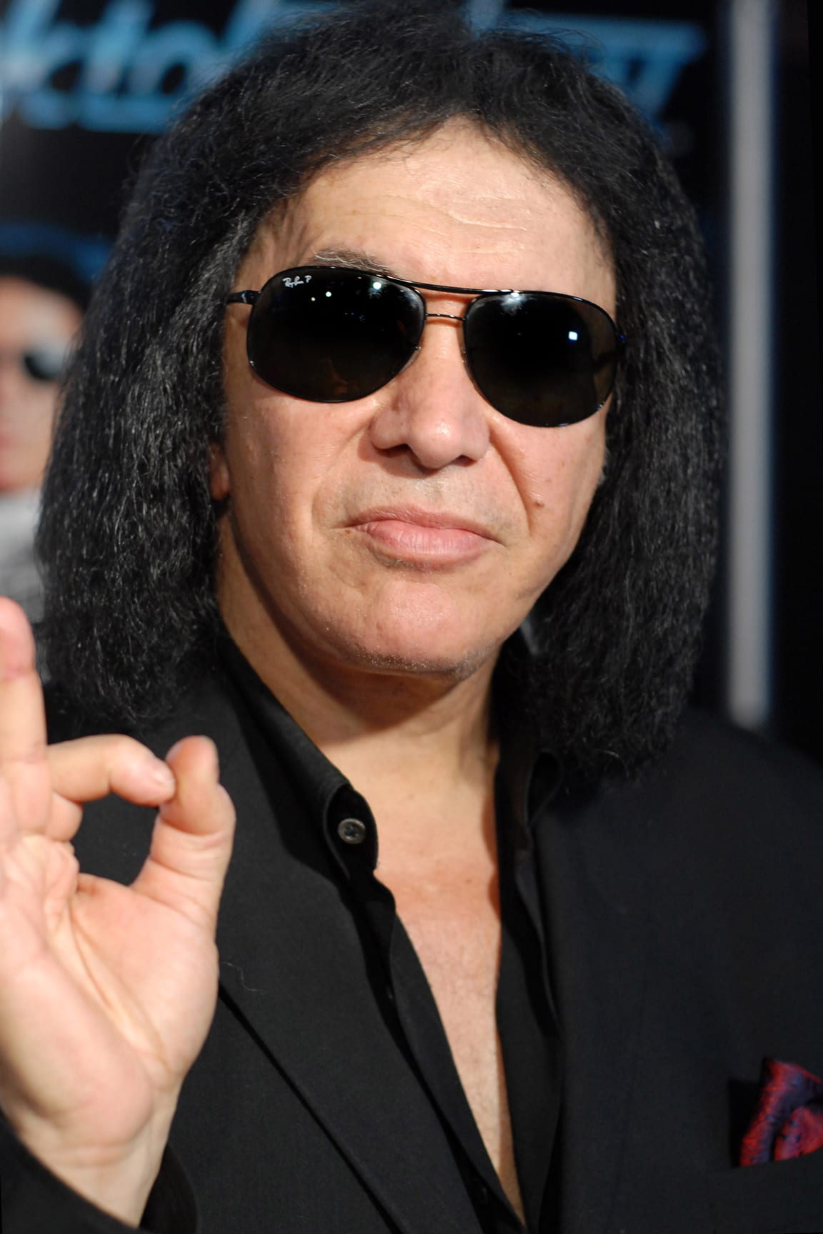A Big Wet Kiss From Gene Simmons Itemlive Itemlive